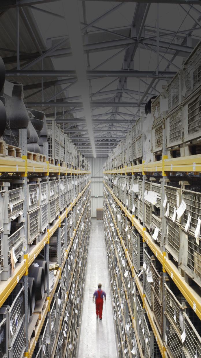 Produkte | Stahlrohre | Lagerarbeiter